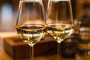 alcoholic-beverage-beverage-blur-1123260